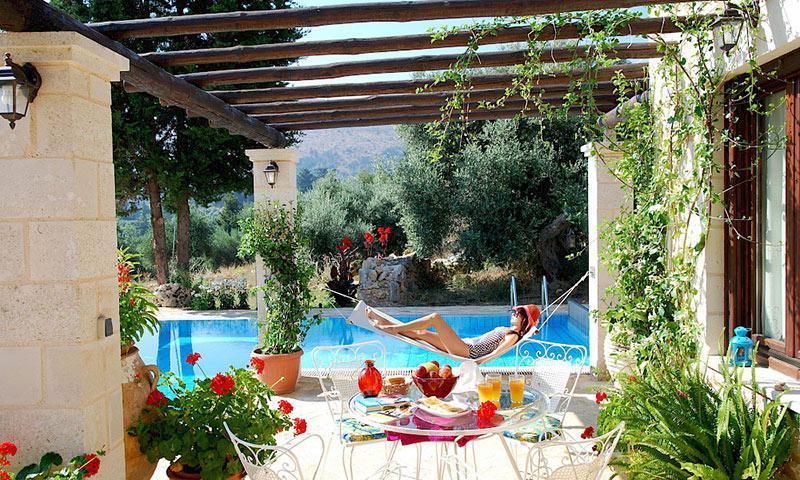 villa in crete with pool