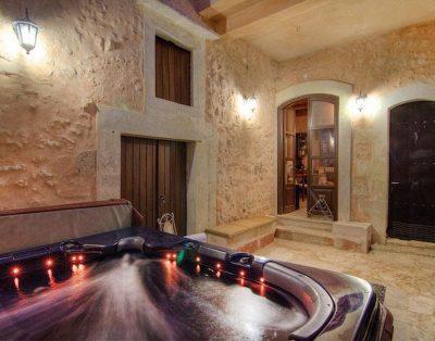 no thumb villas-crete- villas in crete for rent - villa crete rethymno pool jacuzzi 006 13 400x314 - Villas in Crete for rent. Family holiday villas in Crete with private pool.